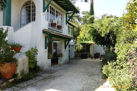 Villa arcachonnaise très lumineuse 85 m² + jardin