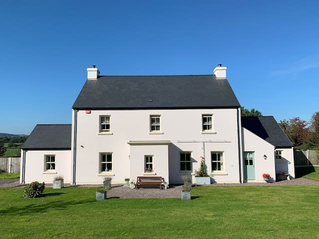 Clonakilty accommodation studio sleeps 1-4 adults