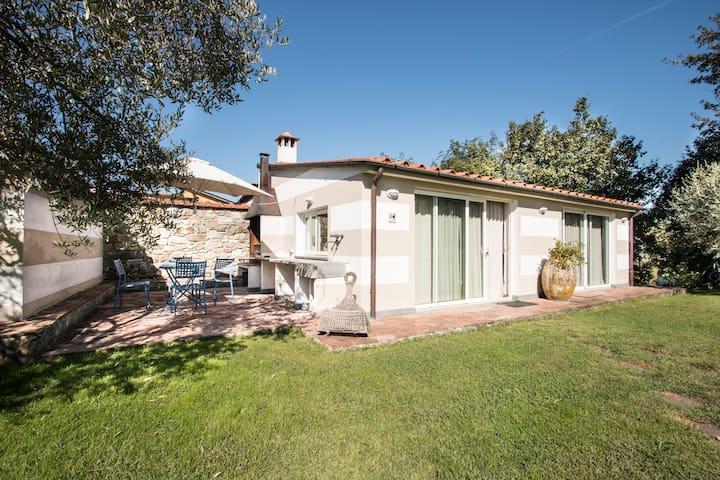 open space su grande giardino - Borghetto-melara - บ้าน