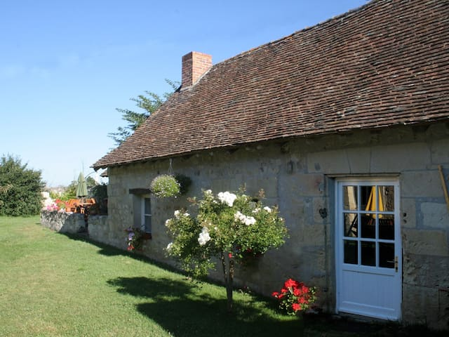 Loire cottage with river access - Chinon - House