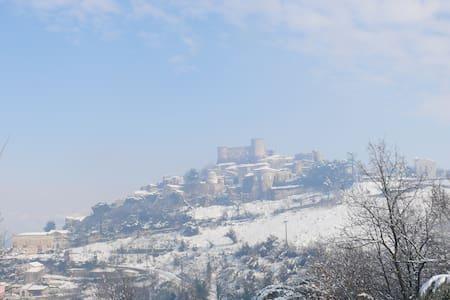 Suggestivo borgo  medievale - Vairano Patenora