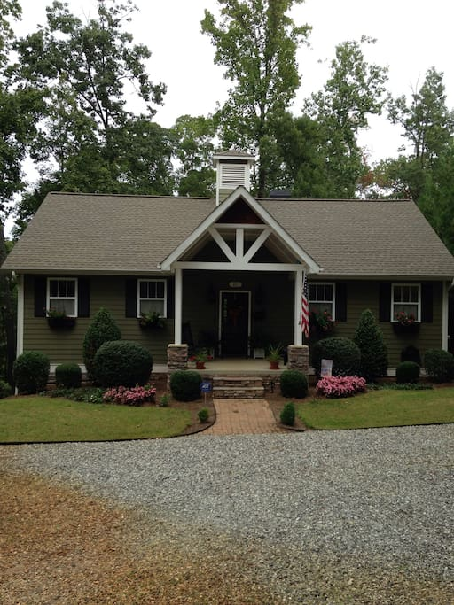 Lake House On Lake Hartwell Houses For Rent In Anderson