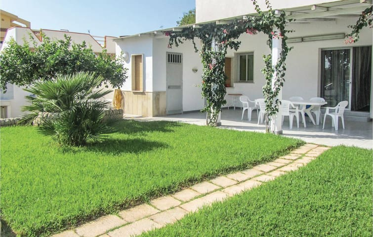 Semi-Detached with 2 bedrooms on 50m² in Punta Braccetto (RG)