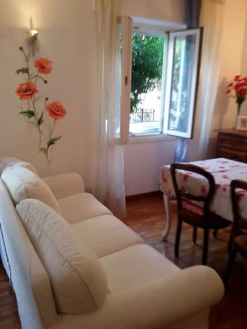 Apartment ''Red Poppies''