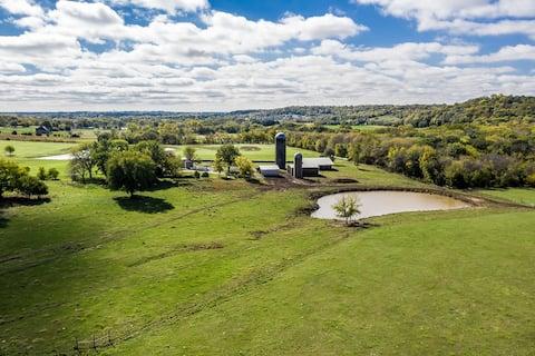 Tonganoxie Farm Stay
