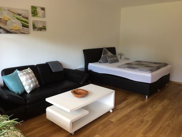 Holiday- und Business-Appartement - Küssaberg - Daire