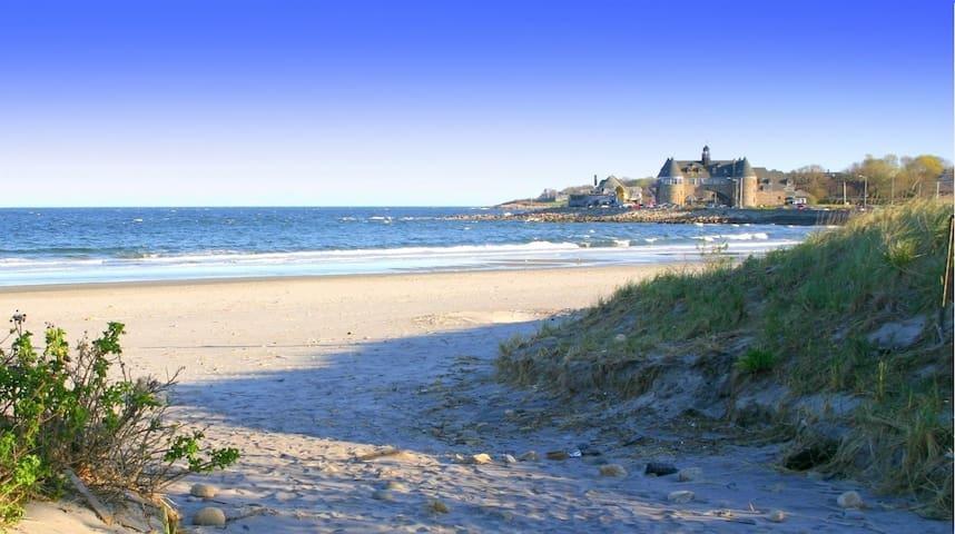 Spacious Summer Vacation Rental in Southern RI