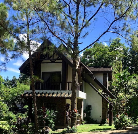 La Famille Guesthouses At Canyon Woods Tagaytay