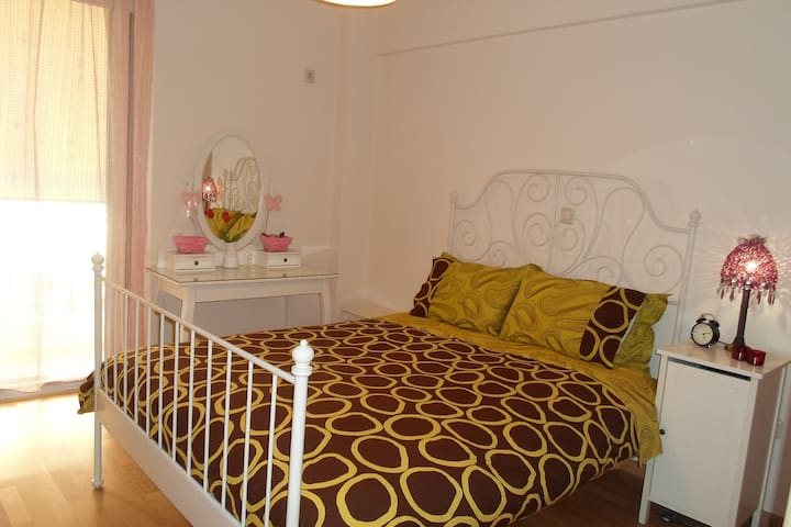 Two bedroom apartment in Athens - Moschato - Casa
