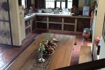 Contamos con zona de comedor y BBQ. Somos una hospedería rural con servicio Bed & Breakfast