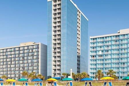 One Bedroom Deluxe Luxury Condo, Myrtle Beach (A640)