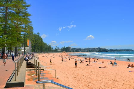 2 Bedroom Manly Beach Side Apartment - Manly