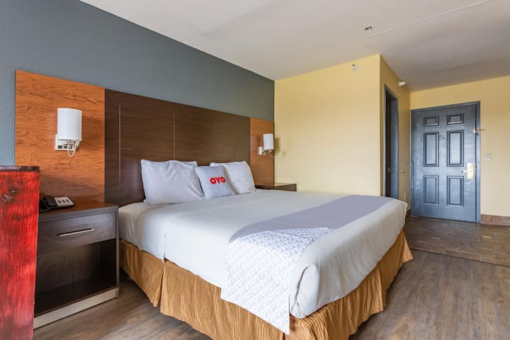 Special Room Deluxe Double Bed At Airport Area