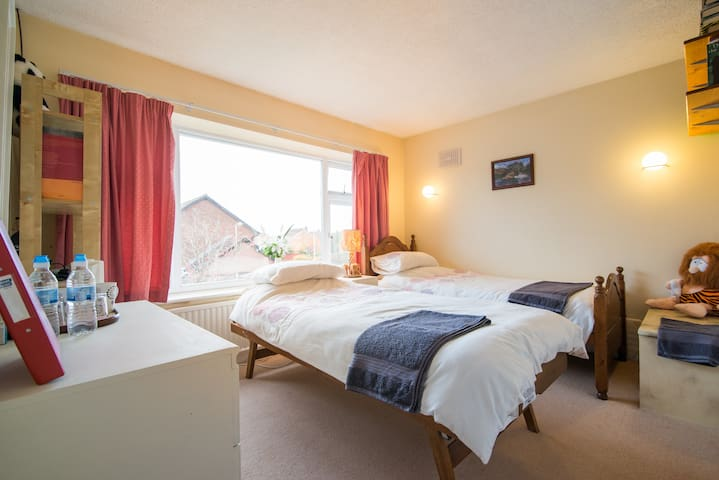 Comfy room near Manchester airport