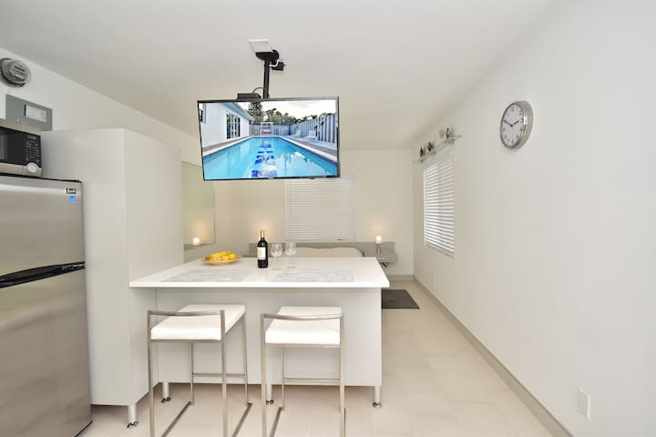 Sea & I Miami Florida Vacation Rental 39a Studio - Deerfield Beach