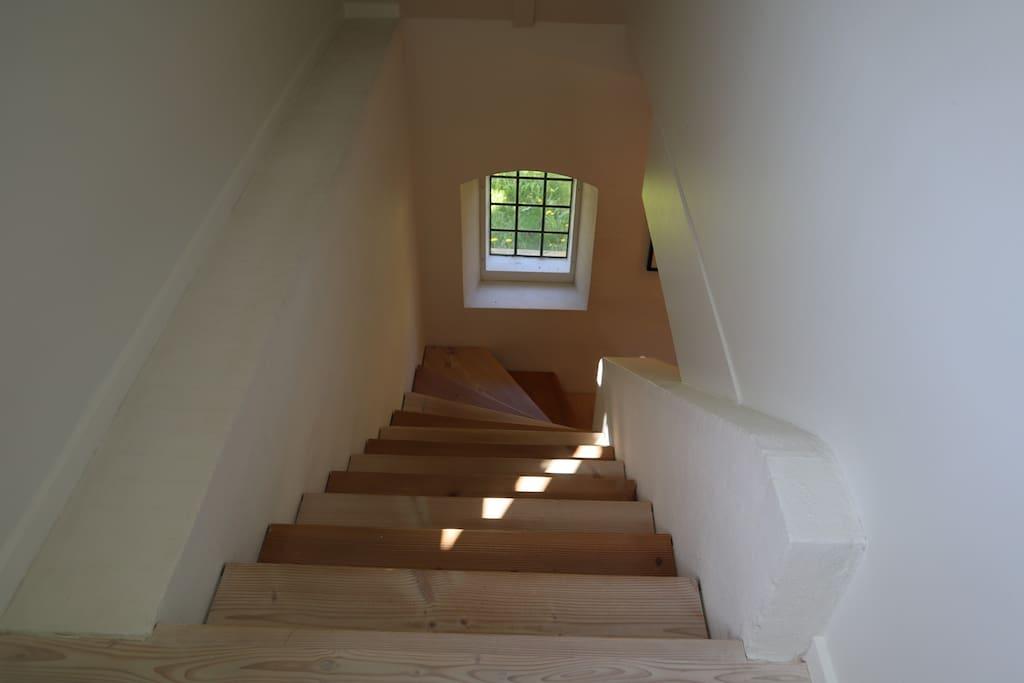Trappe mellem stue og 1. sal