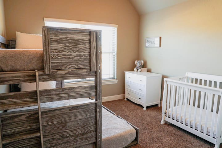 Bunk Bed with Trundle and Crib