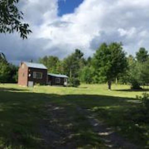 Cozy Concord Cabin - Concord - Cottage