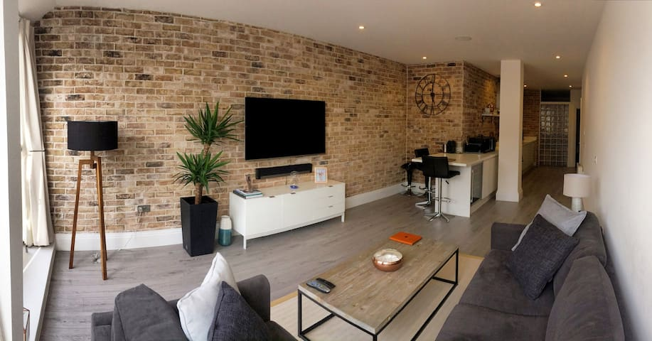 Modern Loft Style apartment in South West London