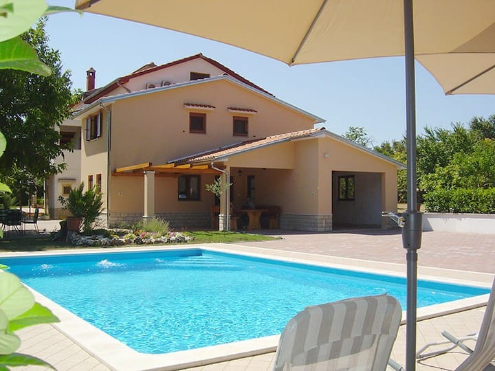 Holiday home Mikela with private pool, Istra