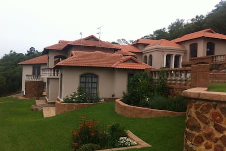 Eagles  Nest  Estate  JHB  South - Johannesburg South