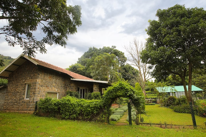 Taurus Homestay Stone Cottage 2