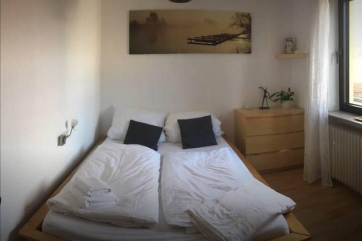 Gemütliches Zimmer in ruhigem Hinterhaus