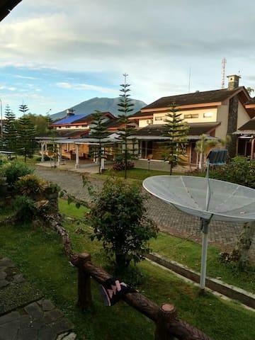 Villa kota bunga 4+1 kamar + swimming pool