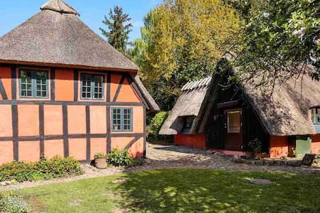 Beautiful old timbered summerhouse with own lake