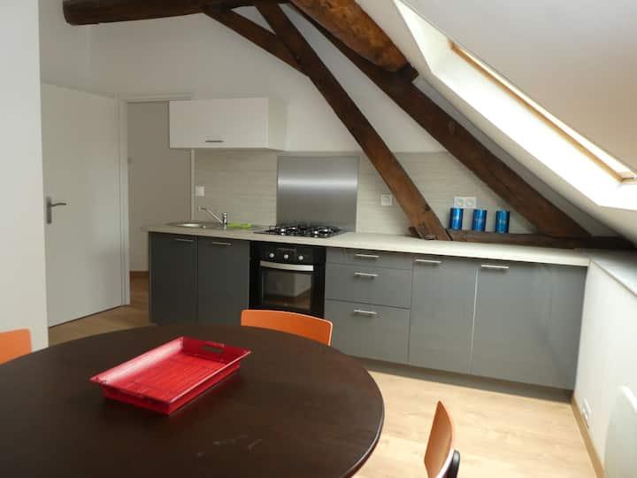 Chastellux-sur-Cure : logement avec vue sur Morvan