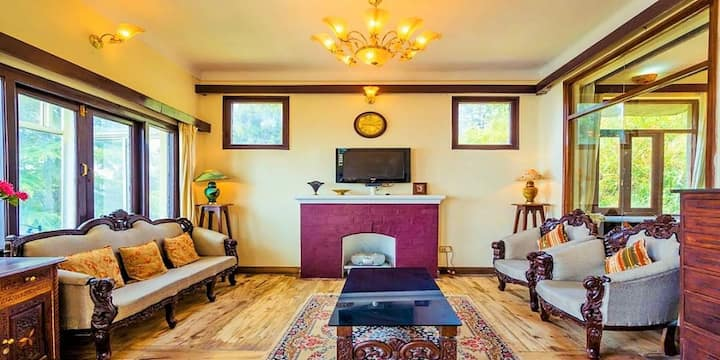 Vimal Kutir Mall Road Mussoorie- By HomestayDaddy