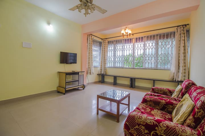 Vibrant 2 BHK with Beautiful, Sunlit Living Room