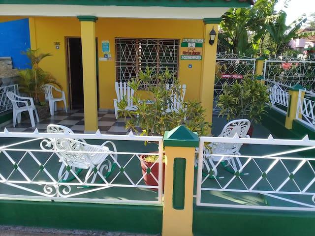 Casa Completa con Dos Habitaciones.Mirta Azcuy