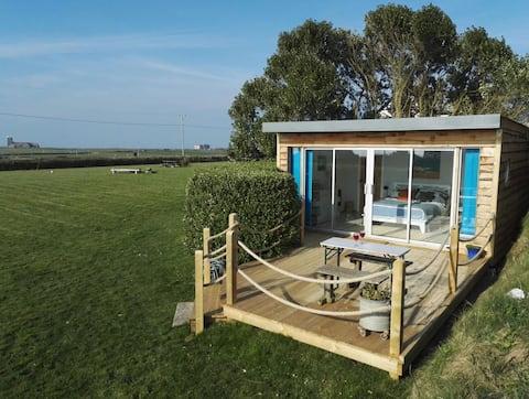 Cosy Cabin by the Sea near Tintagel & Coastpath