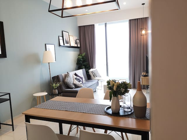 Golden Homestay High Floor with Balcony Robertson