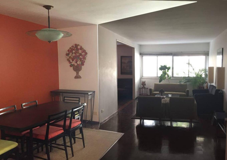 Sala ampla iluminada, 3 ambientes, sala de jantar, estar e sala de tv