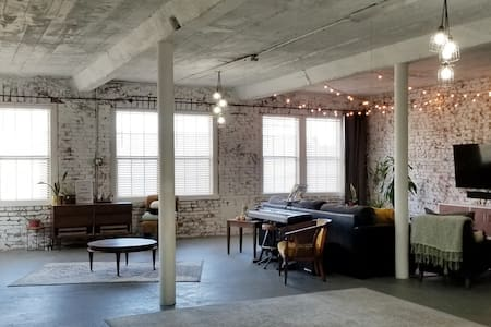 The Loft | Unique Industrial Light Filled Space