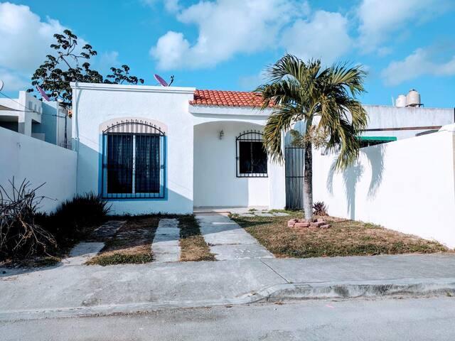 Casa bien ubicada cerca de playa punta esmeralda