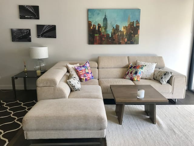 Modern and chic 1 bed 'pied-a-terre' in Rozelle - Rozelle - Apartment