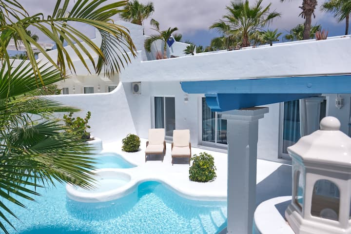 Luxury Villa Penelope with private pool & jacuzzi