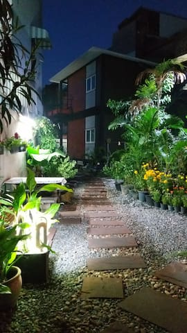 New Garden Home in Bangkok, B&B