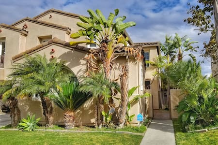 Private Casita in Great Eastlake Neighborhood