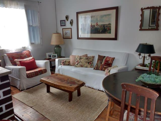 Casa aconchegante em Petrópolis, Itaipava !!