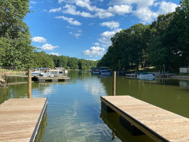 Coming 4/1/21- New Waterfront (Boat Rental Avail )