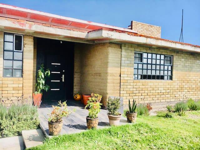 Casa La Trinidad (Habitación Lirio)