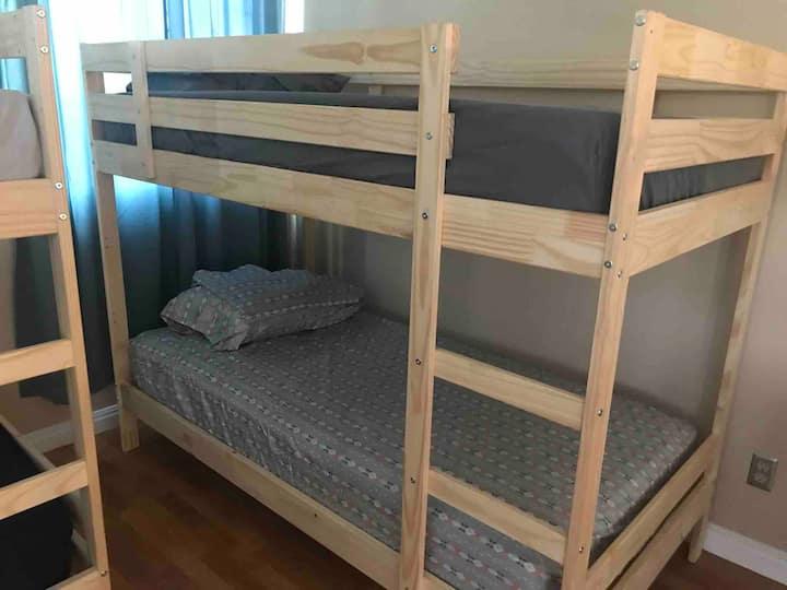 Bed in LA #1