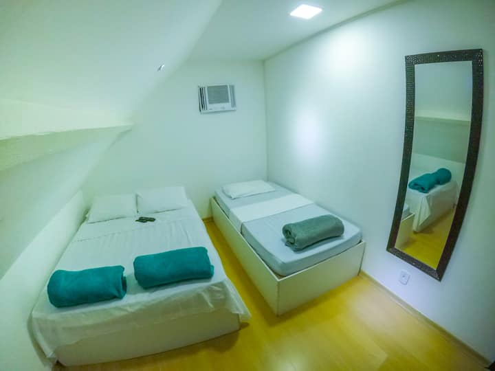 "Quarto Triplo ""14 Bis"" no Hostel Vin Imperial"