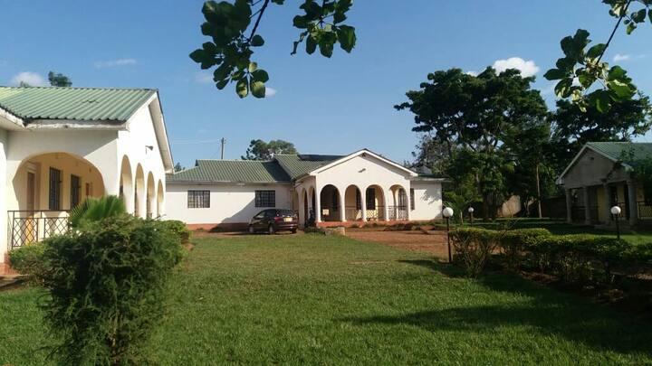 Cosy Home in Ugunja town ,Dendyo