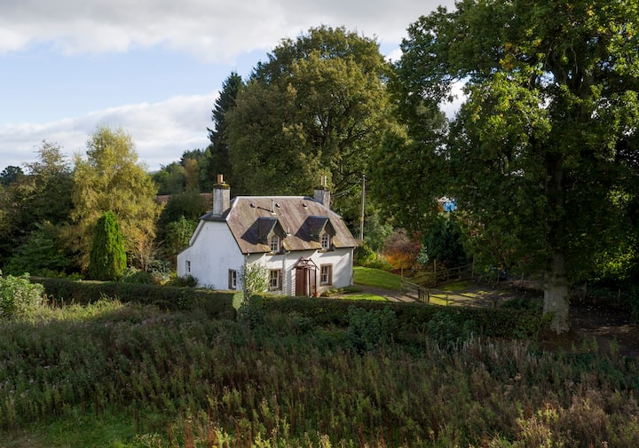 Picturesque cottage in stunning Perthshire