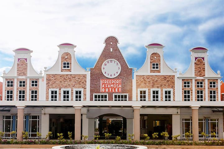 Freeport A'Famosa Outlet